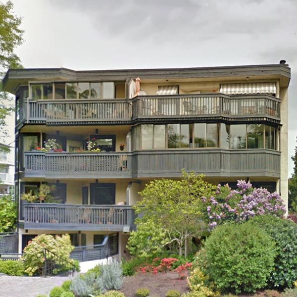 906 Southgate Street, Victoria, BCa!