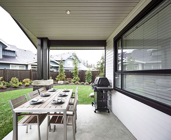 22084 Fraser Hwy, Langley, BC V3A 4H2, Canada Patio!