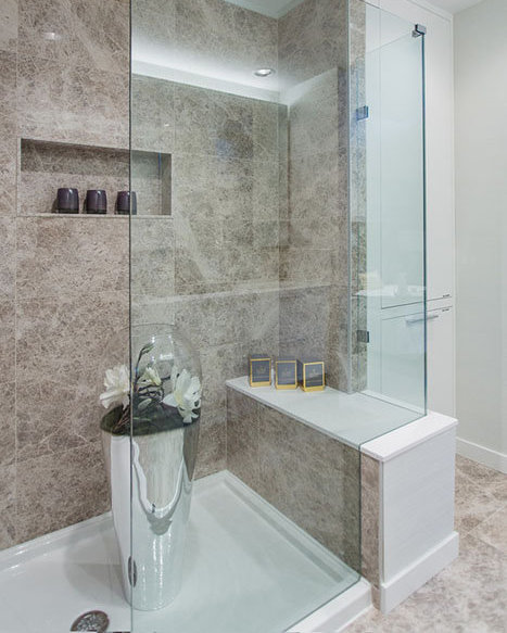 118 Carrie Cates Ct, North Vancouver, BC V7L 0B2, Canada Bathroom!