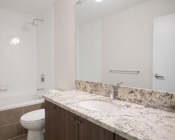 4020 Bayview St, Richmond, BC V7E 6T6, Canada Bathroom!