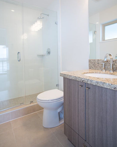 4020 Bayview St, Richmond, BC V7E 6T6, Canada Bathroom!