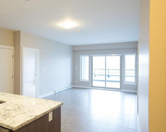 4020 Bayview St, Richmond, BC V7E 6T6, Canada Living Area!