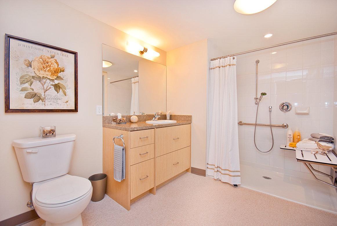 Cedar Springs Parc Typical Bathroom!
