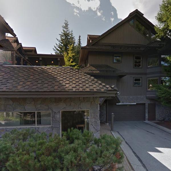3050 Hillcrest Dr, Whistler, BC!