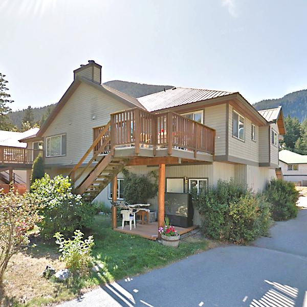 7467 Prospect St, Pemberton, BC!