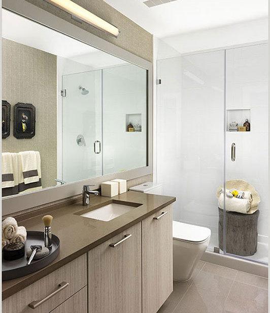 600 3rd St E, North Vancouver, BC V7L 1G6, Canada Bathroom!