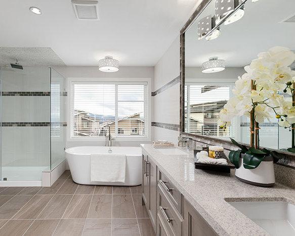 1402 Strawline Hill St., Coquitlam, BC V3E 3H1, Canada Bathroom!
