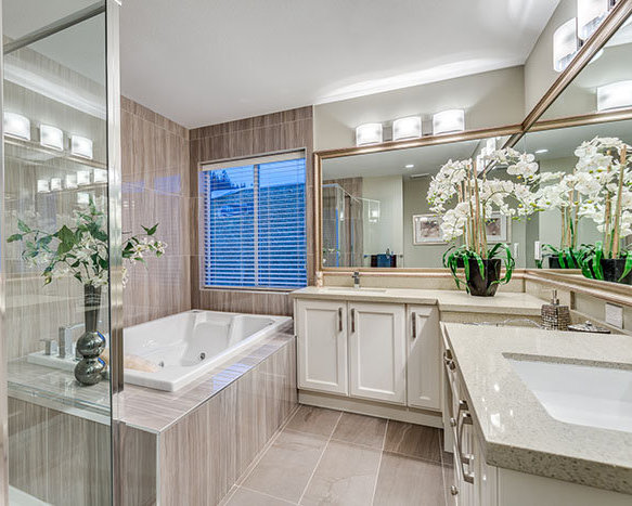 1400 Strawline Hill St., Coquitlam, BC V3E 3H1, Canada Bathroom!