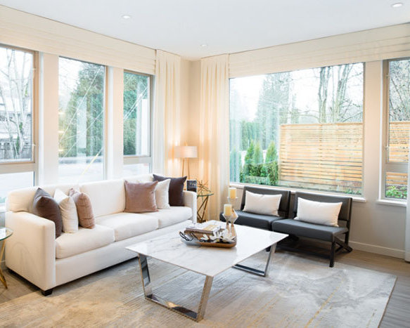 2632 Library Lane, North Vancouver, BC V7J 2N4, Canada Living Area!
