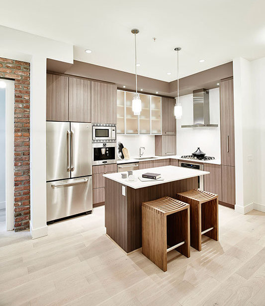 262 Salter St, New Westminster, BC V3M 0B4, Canada Kitchen!