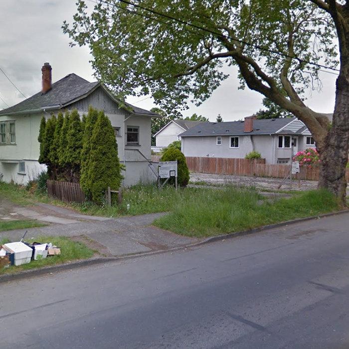 2638 Shelbourne St, Victoria, BC V8R 4L9, Canada Site!