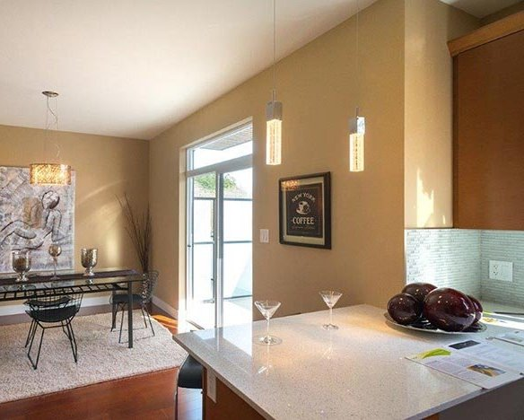 300 Phelps Ave, Victoria, BC V9B 6L3, Canada Dining Area!