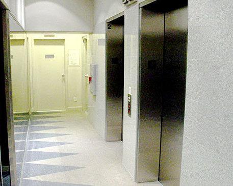 819 Hamilton Lobby Elevators!