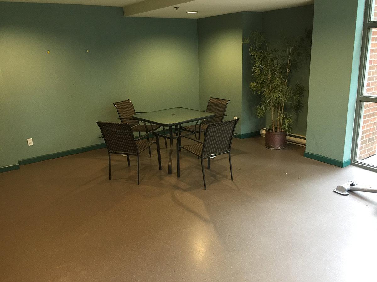 1128 Quebec Amenity Room!