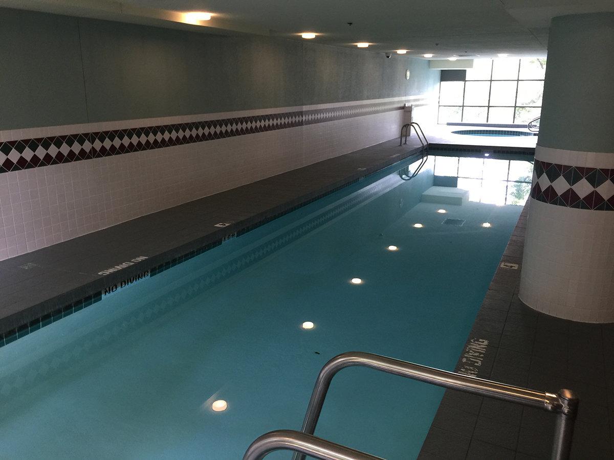 1128 Quebec Swimming Pool!