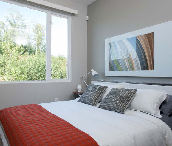 9025 Highland Court, Burnaby, BC V5A 0A, Canada Bedroom!