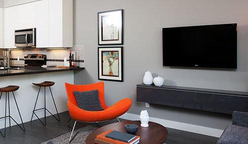 9025 Highland Court, Burnaby, BC V5A 0A, Canada Living Area!