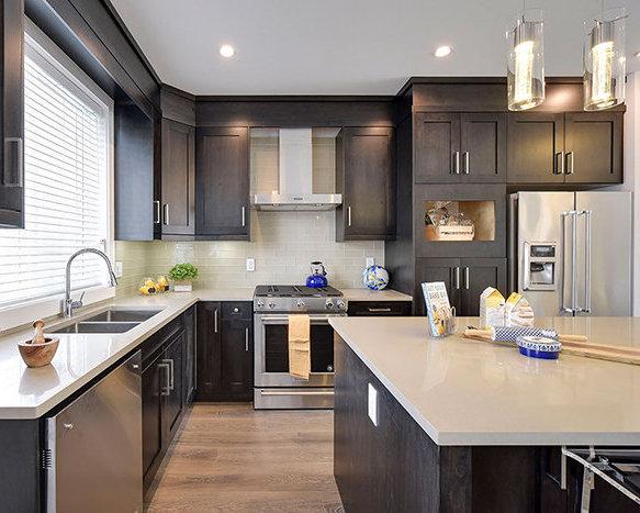 32049 Mt Waddington Ave, Abbotsford, BC V2T 0H1, Canada Kitchen!