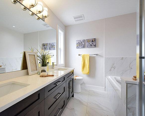 32049 Mt Waddington Ave, Abbotsford, BC V2T 0H1, Canada Bathroom!