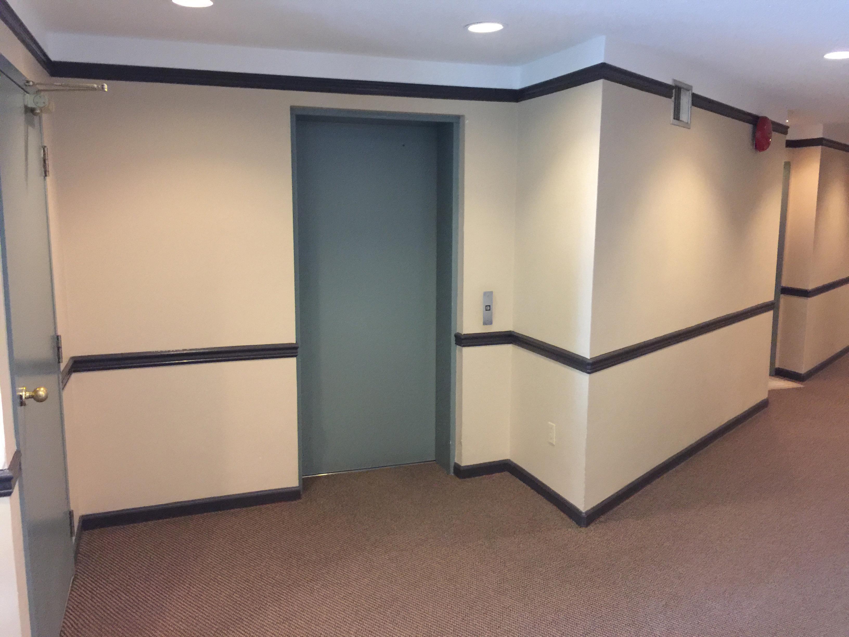 1558 Harwood Lobby Elevator!