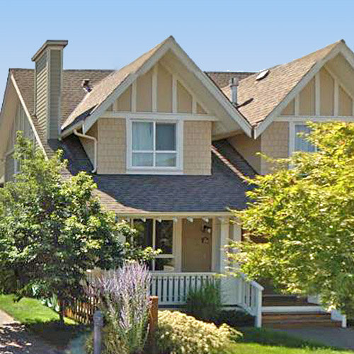 240 Holly Avenue, New Westminster, BC!