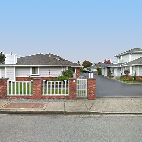 5365 205 St, Langley, BC!