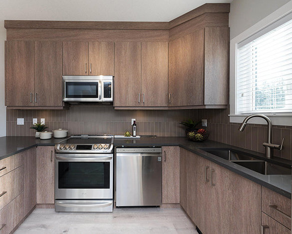 3528 Sheffield Ave, Coquitlam, BC V3E 0L9, Canada Kitchen!