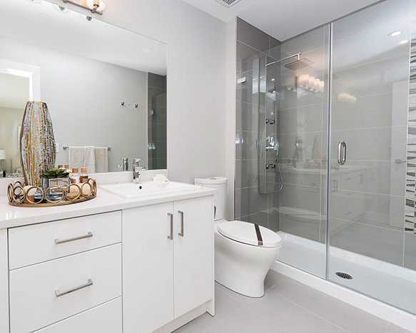 3528 Sheffield Ave, Coquitlam, BC V3E 0L9, Canada Bathroom!