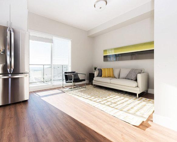 3525 Chandler St, Coquitlam, BC V3E 0L9, Canada Living Area!