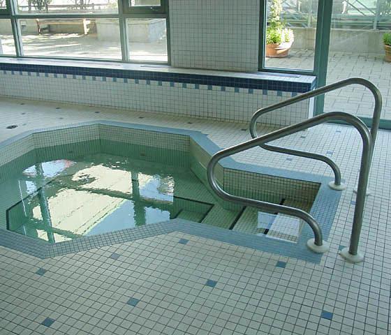 1188 Howe Hot Tub!