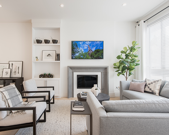 16760 25 Avenue, Surrey, BC V3S 0A7, Canada Living Area!