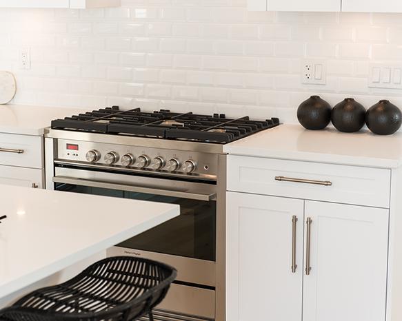16760 25 Avenue, Surrey, BC V3S 0A7, Canada Kitchen!
