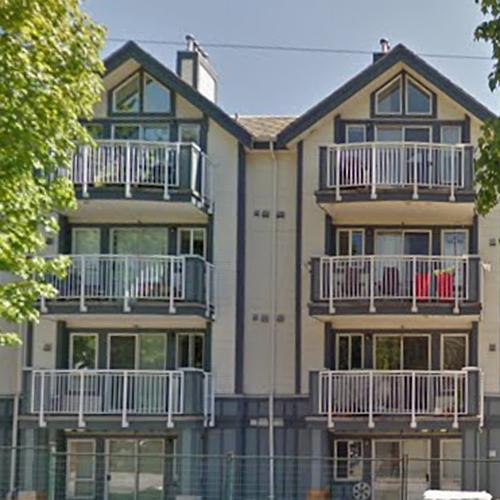 Royal Victoria Garden - 2736 Victoria Dr, Vancouver, BC!