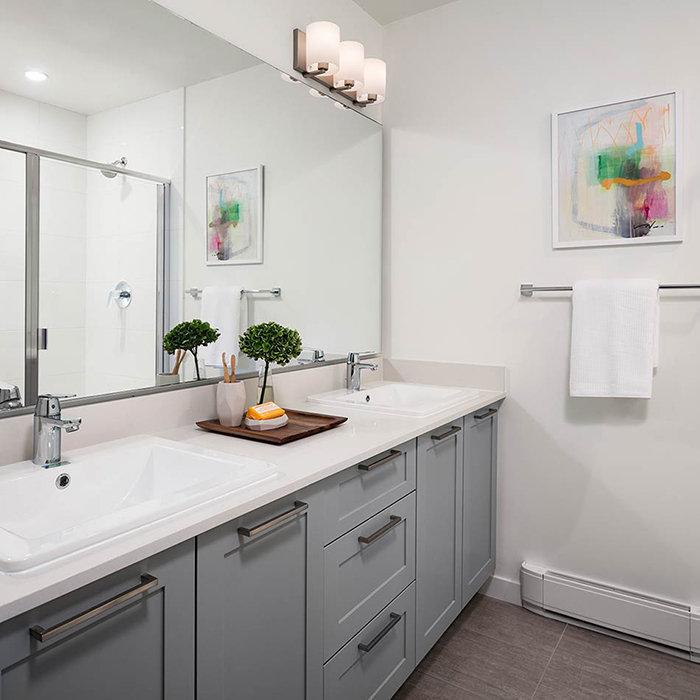 16433 Watson Drive, Surrey, BC V4N 0G5, Canada Bathroom!