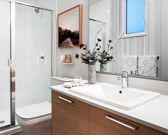 18505 Laurensen Place, Surrey, BC N0N 0N0, Canada Bathroom!