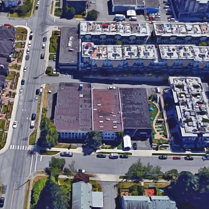 715 W 15th St, North Vancouver, BC V7M 1T2, Canada Location!