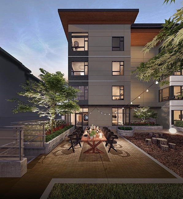 715 W 15th St, North Vancouver, BC V7M 1T2, Canada Courtyard!