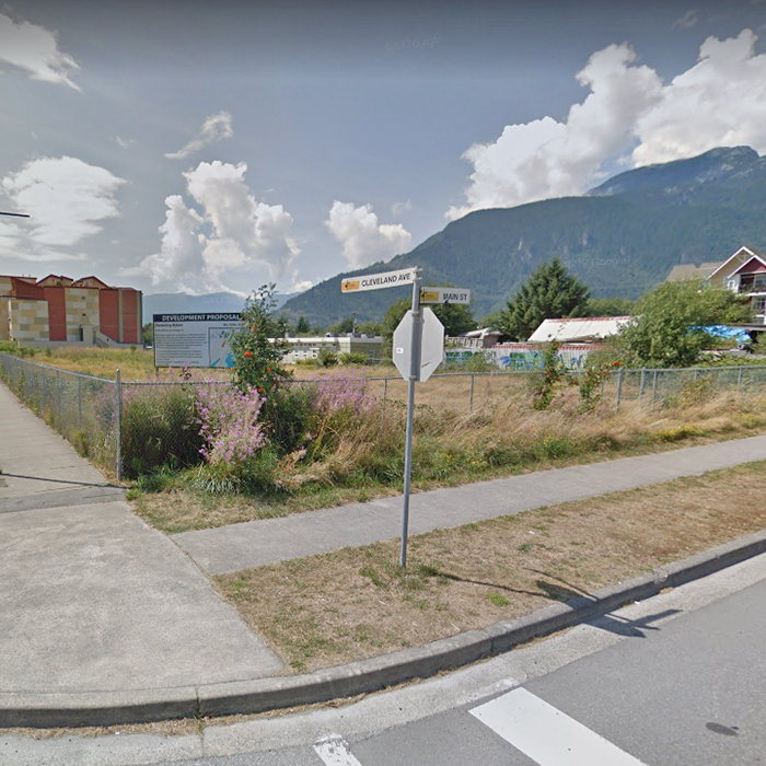 37881 Cleveland Ave, Squamish, BC V8B 0S8, Canada Site!