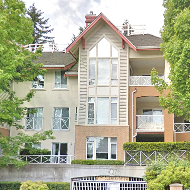 Queensbrook - 678 W Queens Rd, North Vancouver, BC!