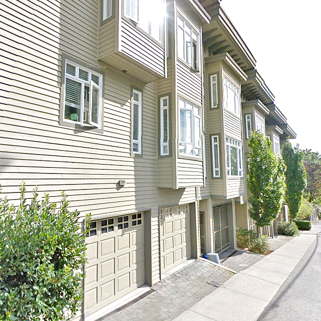 Carriage Gate Lane - 119 E 6 St, North Vancouver, BC!