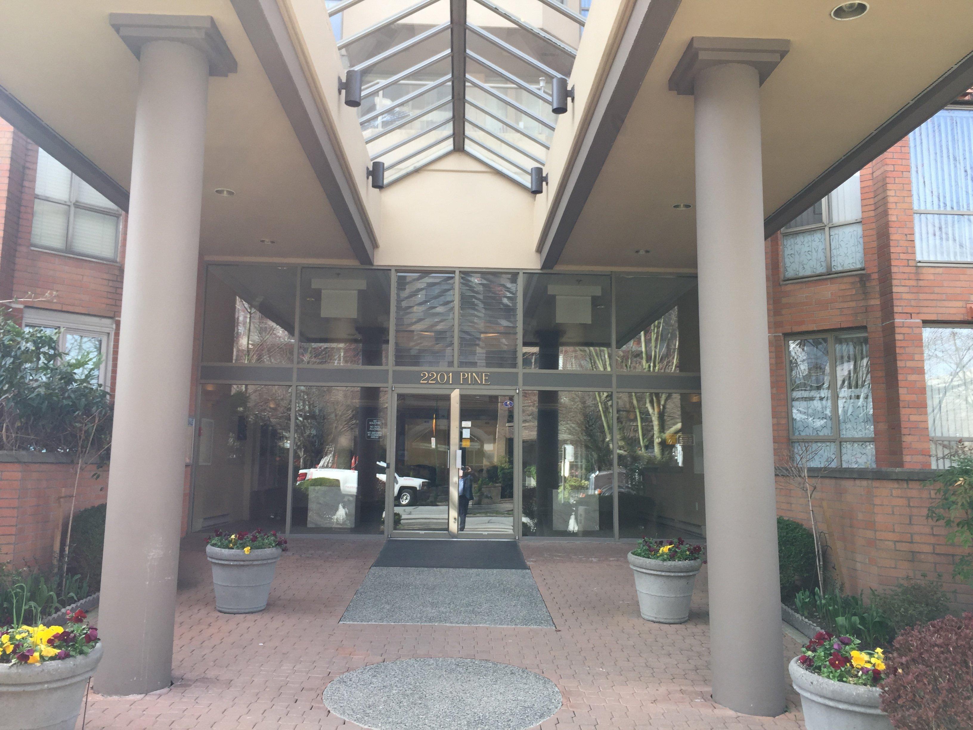 2201 Pine Entrance!