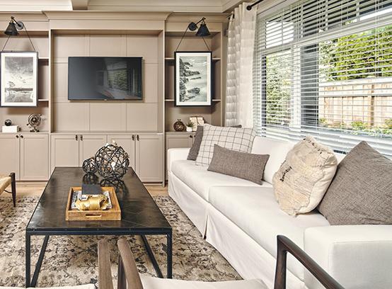 8425 Venture Way, Surrey, BC V2Z 1L2, Canada Living Area!