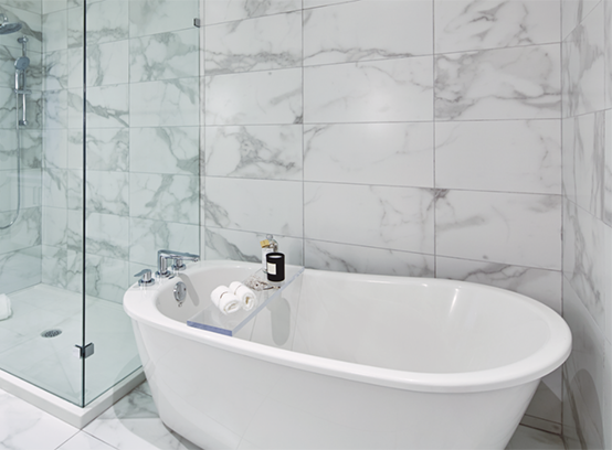 8425 Venture Way, Surrey, BC V2Z 1L2, Canada Bathroom!