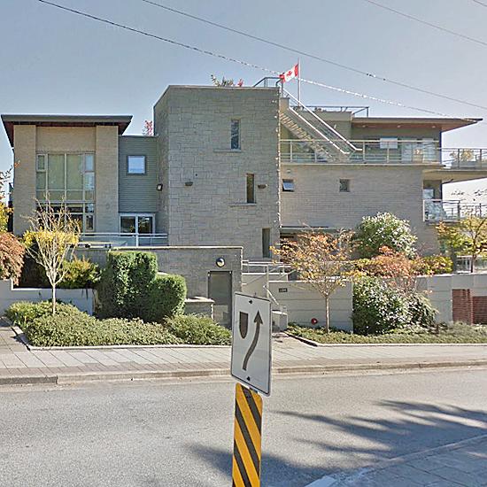 Dundarave Landing - 1140 25 St, West Vancouver, BC!