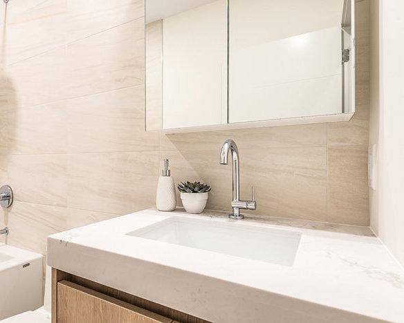 38310 Buckley Ave, Squamish, BC V8B 0E4, Canada Bathroom!