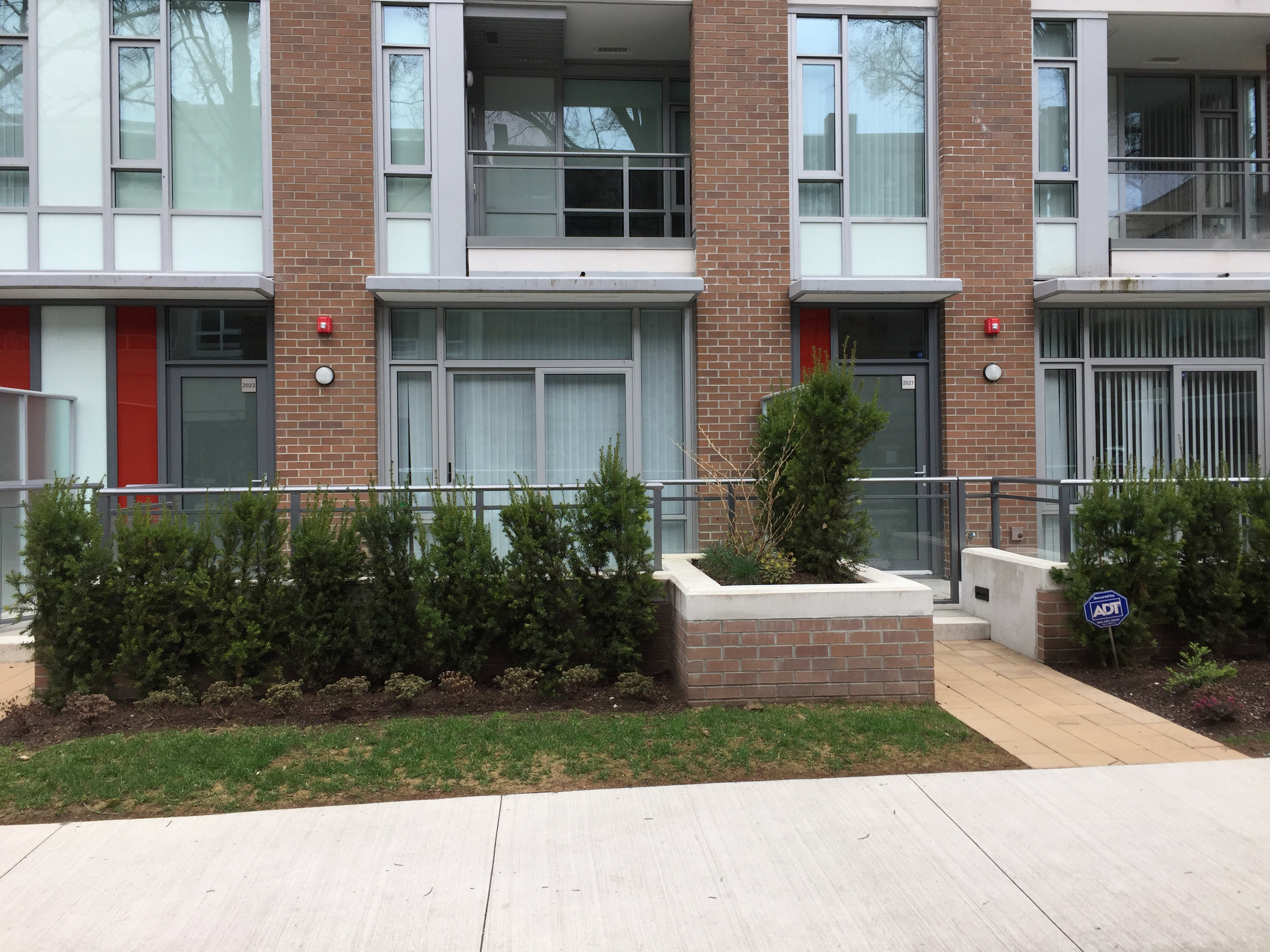 2033 W 10th Ave. Townhouses!