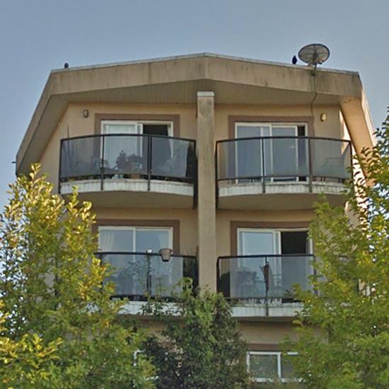 2112 Triumph St, Vancouver, BC!