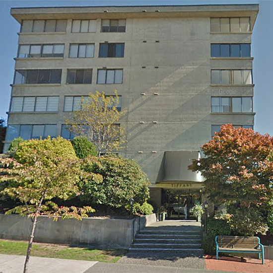 Tiffany Court - 460 14 St, West Vancouver, BC!