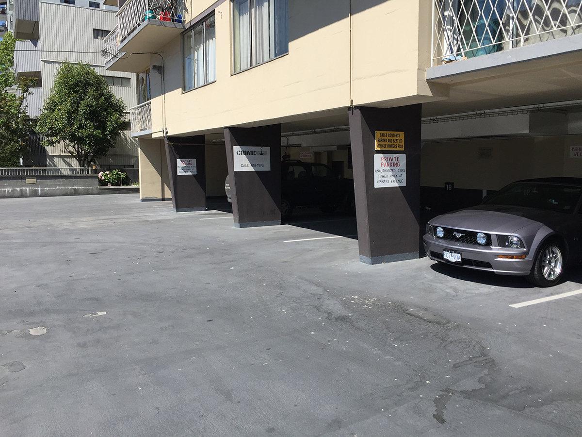 1100 Harwood Covered Parking!