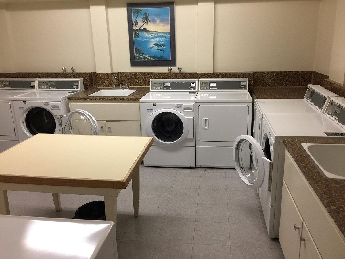 1100 Harwood Shared Laundry!
